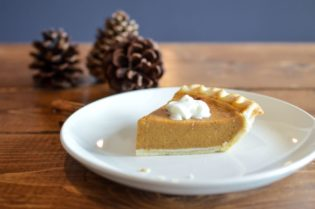 No bake pumpkin pie recipe for kids. Easy to make and minimal ingredients needed.