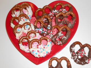 DIPPED PRETZELS FOR VALENTINES DAY or ANY