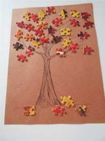 This colorful fall puzzle tree is a fun leaf themed craft project.