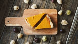 No bake pumpkin pie recipes for kids. Great for a school snack or Thanksgiving dessert.