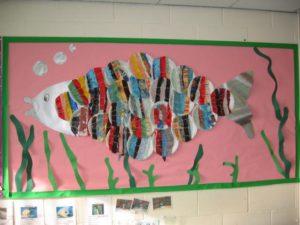 fish weaving display